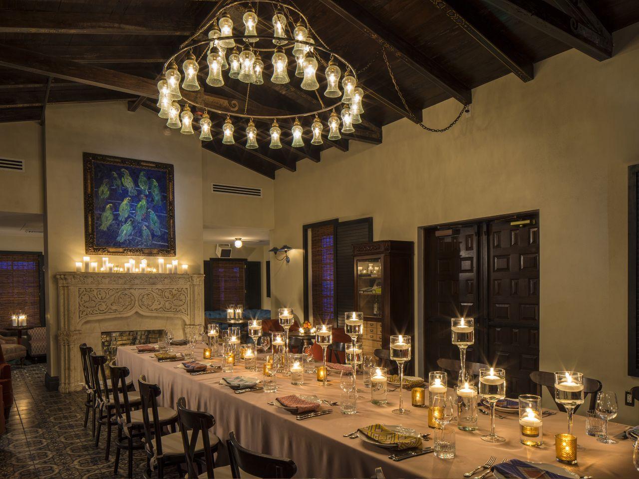 The-Confidante-Miami-Beach-P211-The-1930s-House-Dinner-Reception.adapt.4x3.1280.960