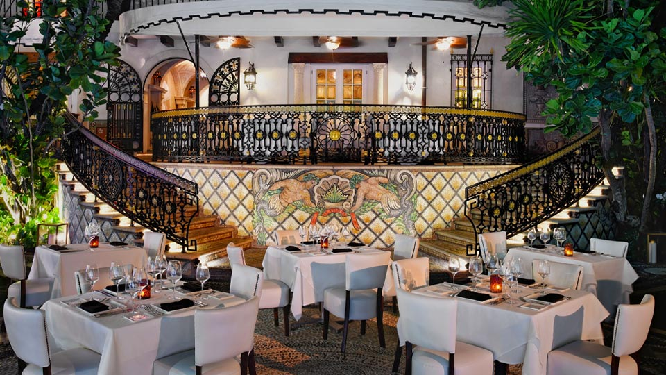 Gianni's at The Villa Casa Casuarina